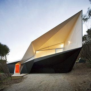 dezeen_Klein-Bottle-House-by-McBride-Charles-Ryan-1.jpg